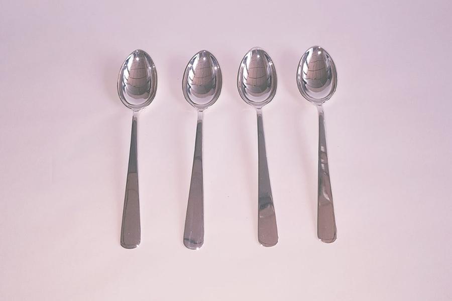 Plateado cucharas y cubiertos