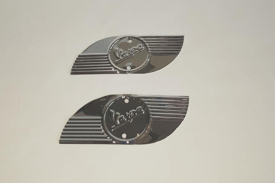 Plateado escudo Vespa