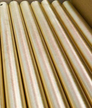 Recubrimiento oro mate en tubos metálicos
