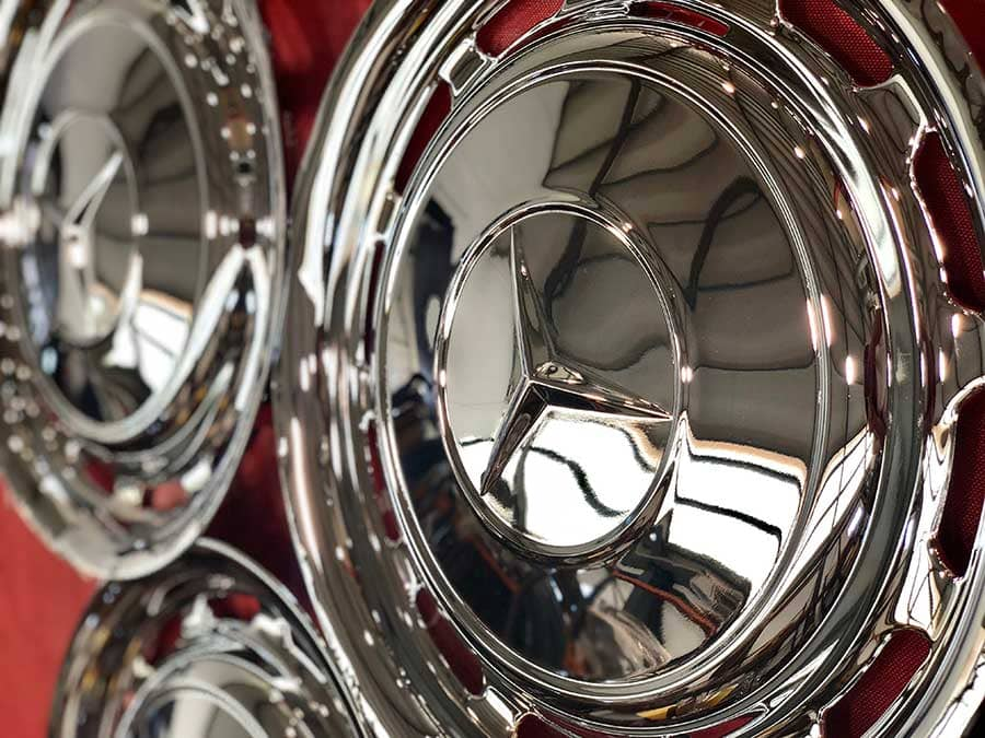 Tapacubos Mercedes comados